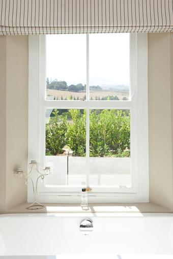 Room-14-Seed-Room-Bathroom-(2)-510px-100kb-2col-2x3