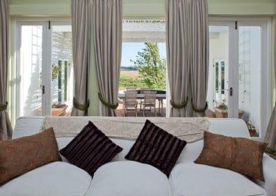 Room-15-Villa-Lounge-510px-100kb-2col-2x3