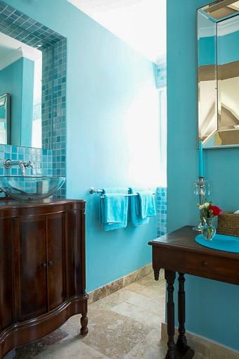 manor-house-classic-Beidge-Room-Bathroom-510px-100kb-2col-2x3