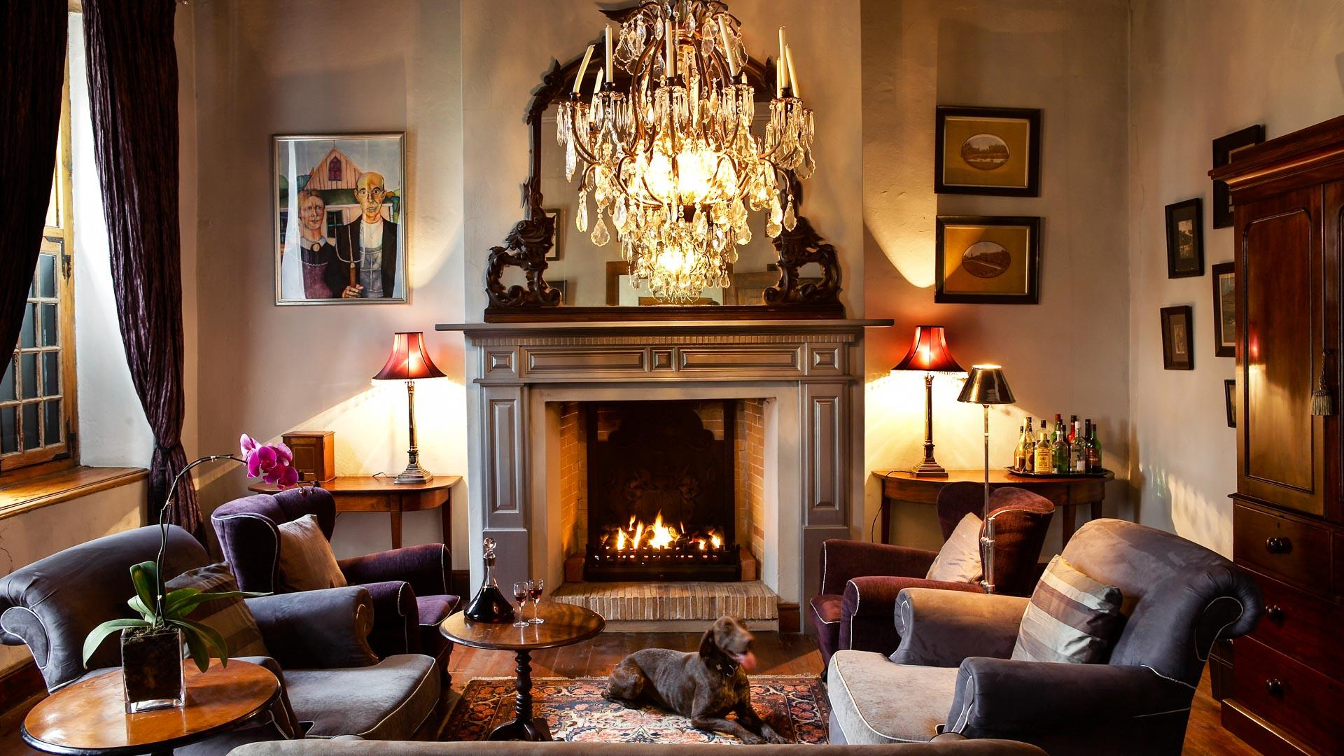 manor-house_Hawksmoor-House-021-1920px-400kb-Slider-16x9