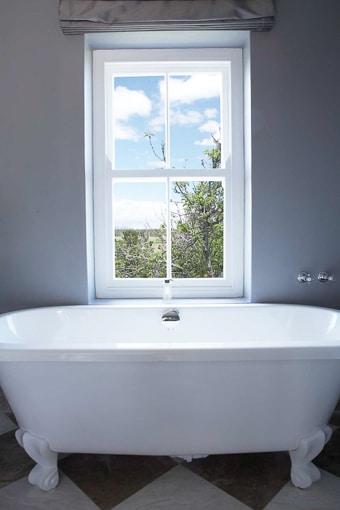 slave-cottage-grey-017-Slave-Cottage, Superior Rooms-510px-100kb-2col-2x3